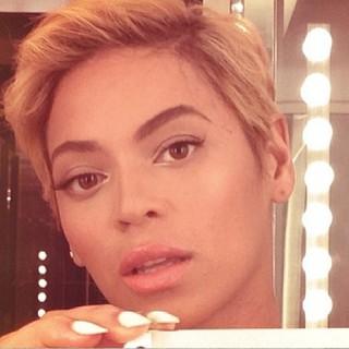 Beyoncé cabelo estilo joao